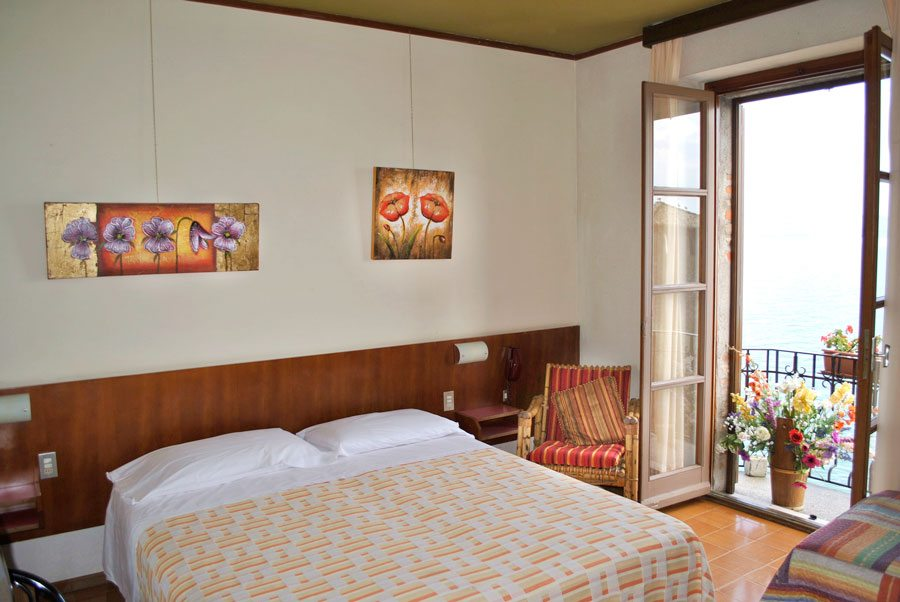 Hotel grifone sirmione altstadt am gardasee italien for Hotel meuble grifone sirmione