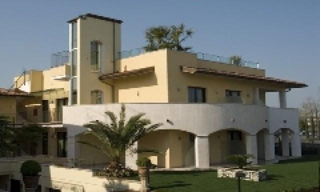 Hotel arena sirmione lugana lago di garda for Hotels 02 arena