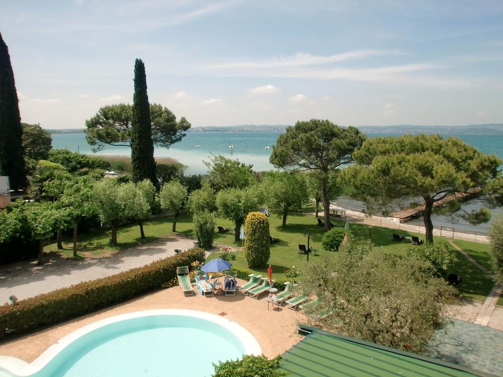 Hotel miramar sirmione lake garda italy for The miramar