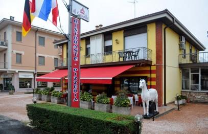 AL CAVALLO Ristorante-Pizzeria