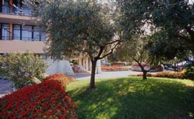 Holiday-hotel-residence-sirmione