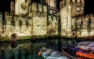 Nightshot castello di Sirmione 2 di Markus Guhl (Stoccarda)