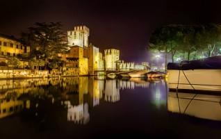 Nightshot castello di Sirmione 3 di Markus Guhl (Stoccarda)