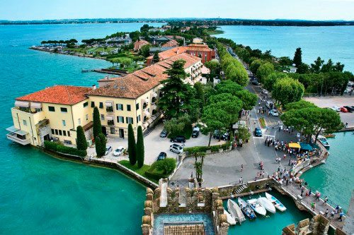 Sirmione Italy  city photos : Sirmione Italy lake Garda visit & holidays