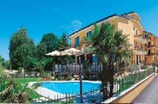 Hotel LA RONDINE ***
